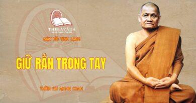 GIỮ RẮN TRONG TAY